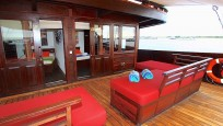 Waow Liveaboard Indonesia